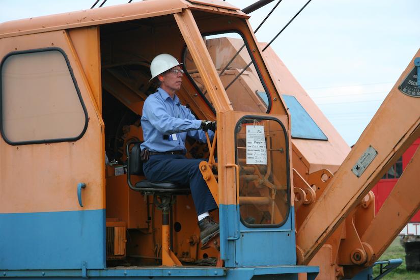 Jim Carter operating his 1968 Koehring 305 crawler crane
