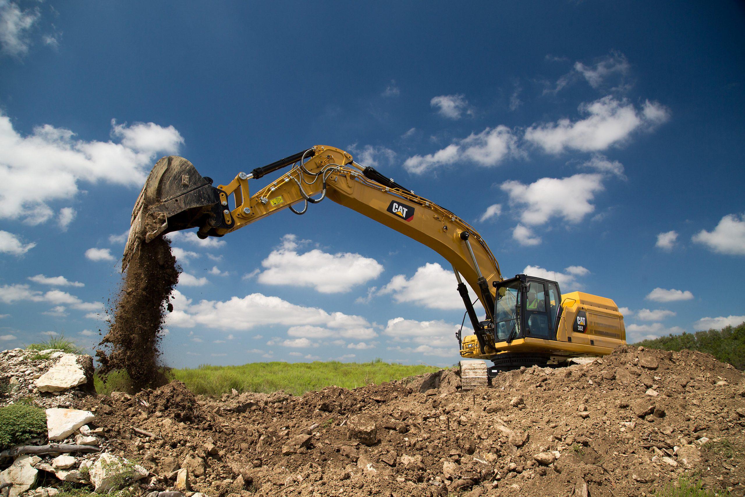 Cat 352 excavator