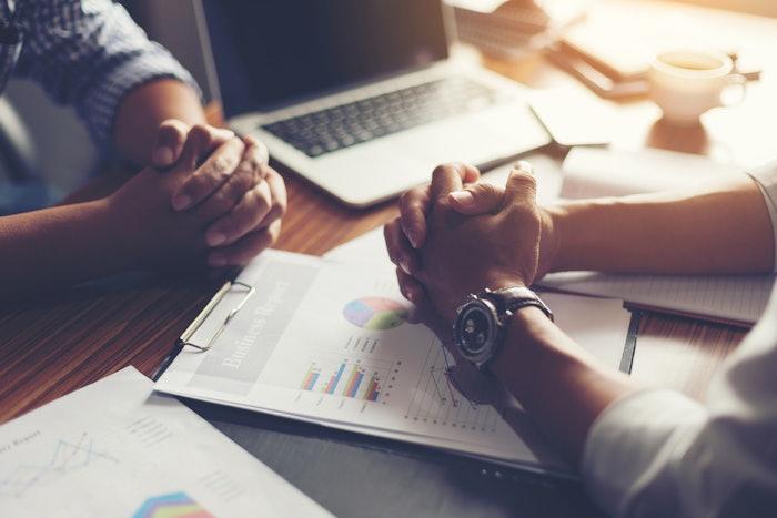 Shutterstock Dealer negotiation