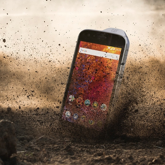phone dropping in dirt