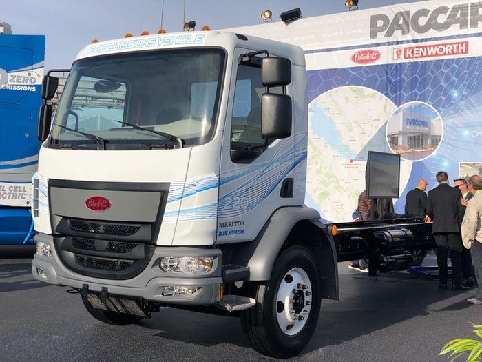 The medium-duty Peterbilt 220EV is aimed at inner-city and local pickup/delivery applications.
