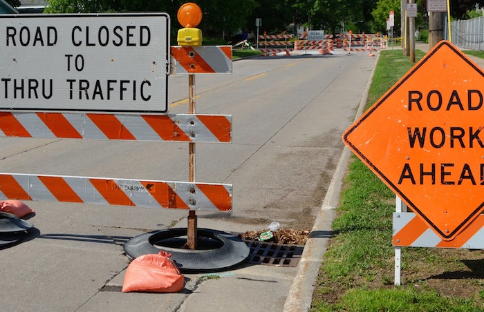 road work zone closed to traffic