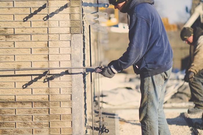 concrete form crew worker
