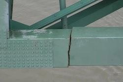 Crack Mississippi River bridge Memphis