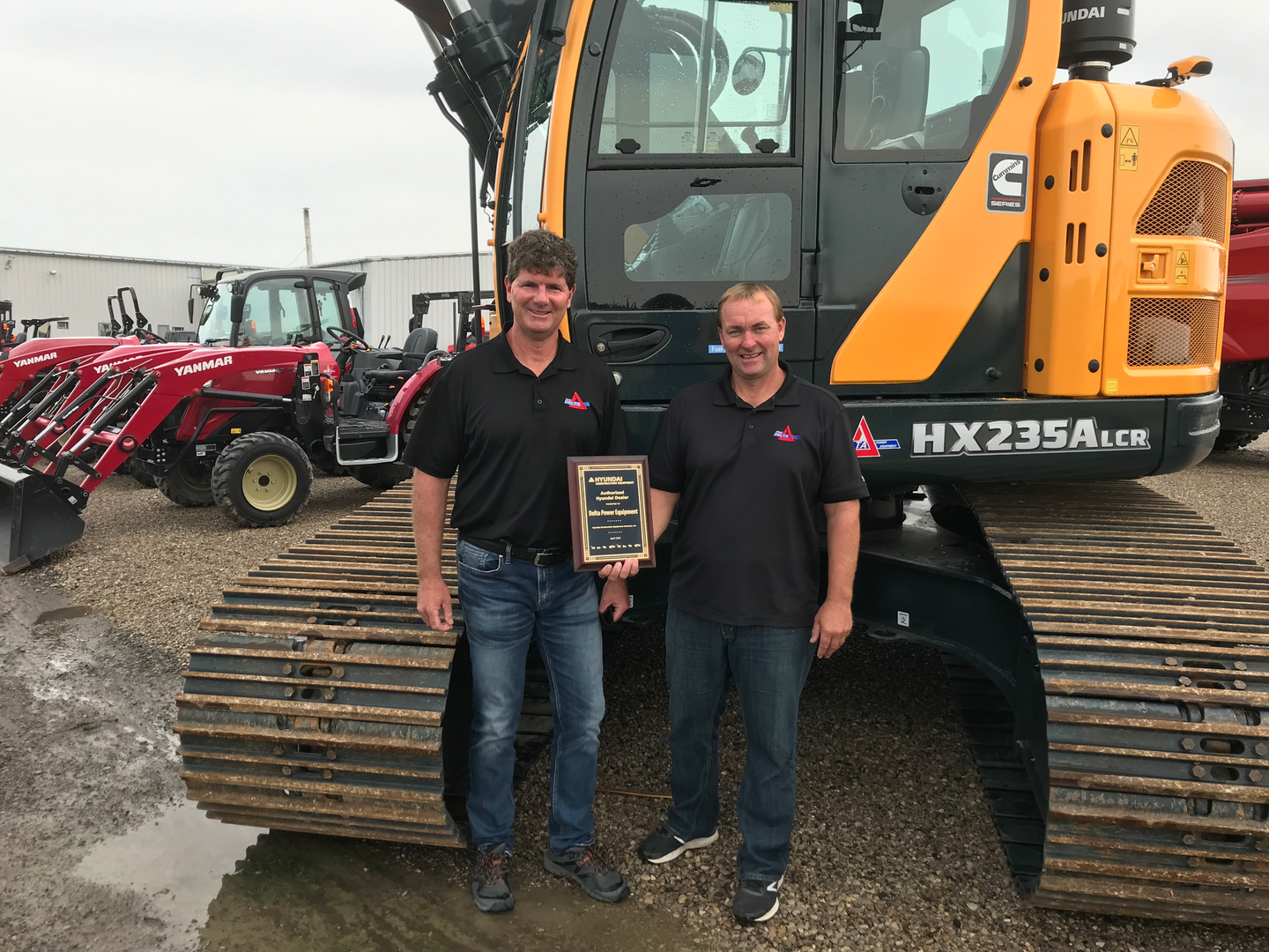 Left to Right: Cameron Currie, general sales manager and Brad Blain, construction sales manager, Delta Power Equipment.